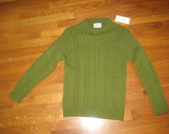 1960's Green Ribbed sweater/long sleeve sweater