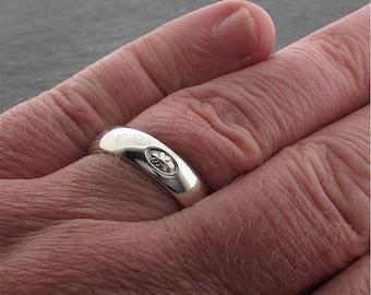 Irish Shamrock platinum ring, handmade 6mm wedding ring.