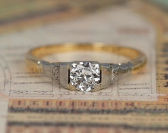 Art Deco Diamond Solitaire Engagement Ring, 0.33 Carat Vintage Diamond Ring, 18ct Yellow Gold and Platinum Engraved Shoulders
