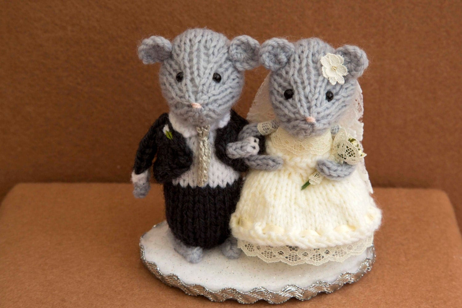 knitted mice wedding cake toppers and groom mice wedding mice wedding cake topper 16653