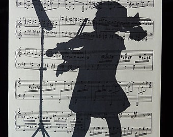 Violin Print on Vintage Music Sheet, violin poster, violin art, violin print, music gift, dorm room decor, violin gifts