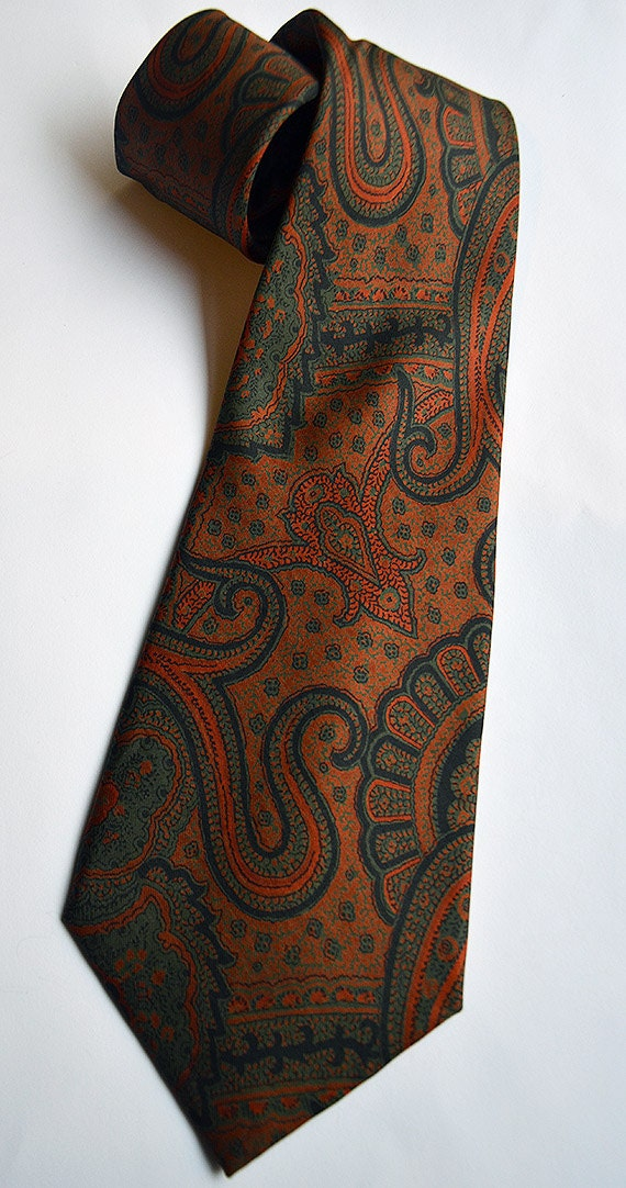 Vintage GIORGIO BEVERLY HILLS Silk Paisley Neck-Tie Hand Made in Spain