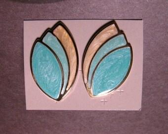 1990 Avon Summer Pastels Pierced Earrings NIB