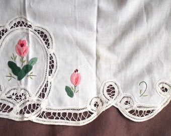 Vintage apron - white fabric, pink appliqué flowers, pocket, lace edge - half-apron, hostess apron, serving apron