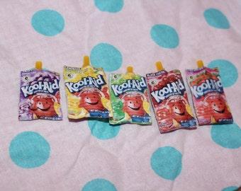 minature dollhouse juice pouches set of 5