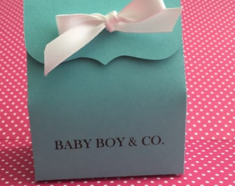 Favor boxes with bow