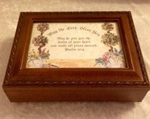 Musical keepsake box