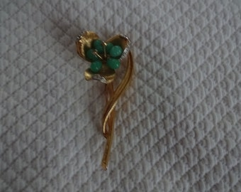 Goldtone flower brooch