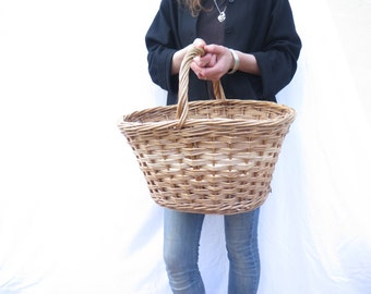 french wicker market basket / bike / vegetables / wood