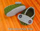 crochet baby shoes ,Baby blessing , christening shoes with beads ,Newborn baby shoes,Christening white baby shoes,newborn Christening shoes