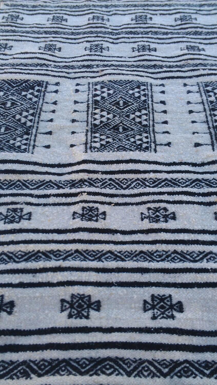 Kilim black and white rugs kilim rugs handmade wool for Black and white wool rug