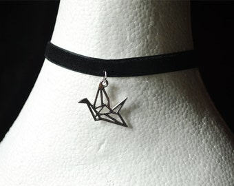 Black velvet Choker necklace with origami Pendant (Silver)