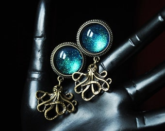 16mm of Octopus plugs with blue green stone