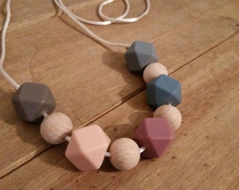 Silicone and wood teething necklace, breastfeeding, babywearing, nursing jewellery FREE UK POSTAGE