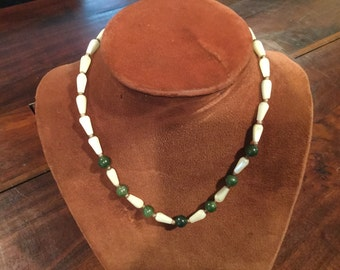 Vintage JADE and MOTHER of PEARL Beaded Necklace