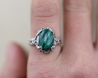 the leaf ring with malachite jewelry Antique style Autumn gift romantic feel Christmas gifts