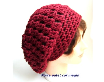 Crocheted Beanie in beautiful red made from organic wool