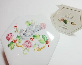 Vintage Avon, Trinket Box, Porcelain Trinket Box, Dove, Floral Trinket Box, Porcelain Jewelry Box, 1983, Hinged Lid Box, Holiday Trinket Box