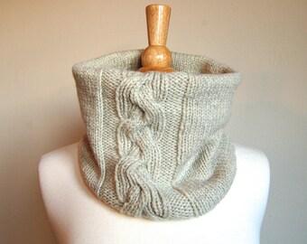 Cream Cabled Wool Hand Knit Cowl Neckwarmer Scarf - DAMSON COWL