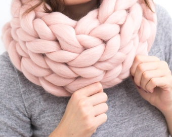 Cowl, Infinity scarf, snood ,wool scarf,  Merino Scarf, Chunky Scarf, Hand Knit Scarf Scarf, pink Scarf, bulky scarf, gift for women