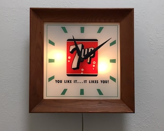 Vintage Lighting; 7up Lighted Advertising Sign Clock; 7up Collectible; Wood Framed Clock; 7up You Like It Clock; Vintage Clock