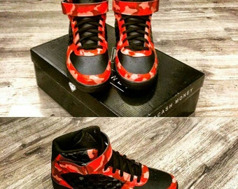 Sneakers Cash Money Flaming Camo customized