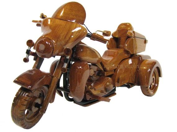 harley davidson tri glide trike moto maquette en bois bois. Black Bedroom Furniture Sets. Home Design Ideas
