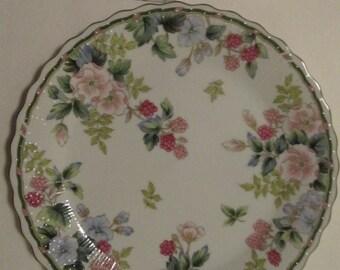 """ANDREA SADEK Flowers & Berries 10.25"""" Cake Plate and Server"""