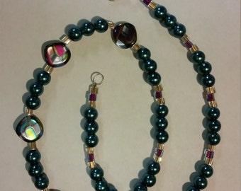 Decolightful glass and Swarovski pearl necklace