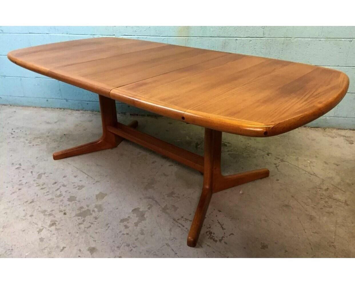 High Quality Mid Century Danish Modern Teak Dining Table