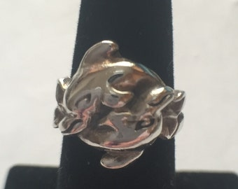 Vintage Sterling Silver 925 Interlocking Dolphins Ring size 6.5
