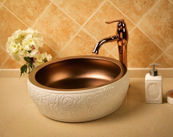 TheOne Hand-sculptured porcelain vessel sink, Verona