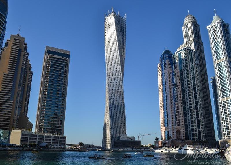 Modern architecture dubai cayan tower architecture image for Dubai architecture moderne