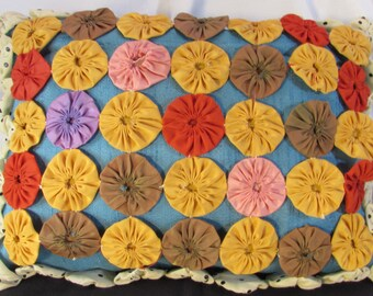 Vintage handmade fabric suffolk  Yo-Yos (yoyo) puff embellishment rectangle throw sofa pillow.