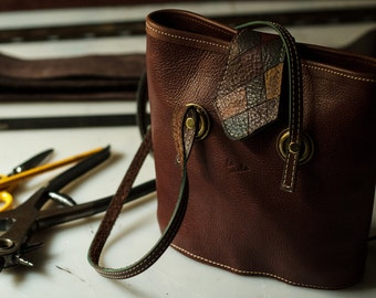 Leather handbag shoulder bag, handmade Italian Leather cross dyed, first choice. (Hand made bags, First quality italian leather)
