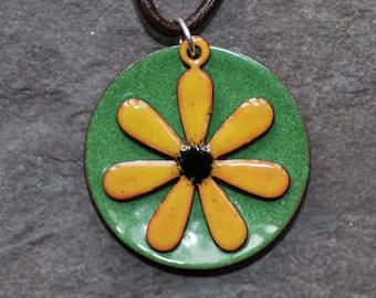 Yellow daisy pendant