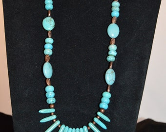 Reconstructed Turqouis Howlite Necklace