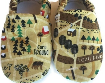 Camping baby shoes, camping baby booties, bear baby shoes, baby boy shoes, soft sole shoes, baby shower gift, baby girl shoes