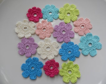 14 crochet small flowers