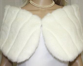 Ivory Minky Faux Fur Hook and Eye Closure Wrap Shawl  Brand New