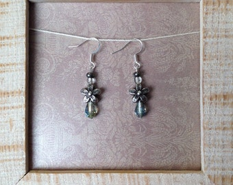 Flower with turquoise bead earrings