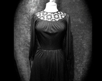 Vintage 1970s cute little Black Tunic Dress with lace neckline. size UK8/ Small