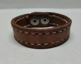 """1"""" hand stitched leather braclet"""