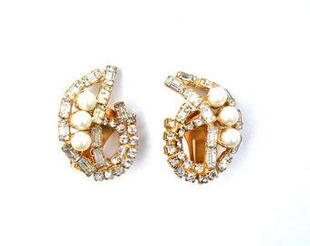 Pearl and Rhinestone Paisley Earrings