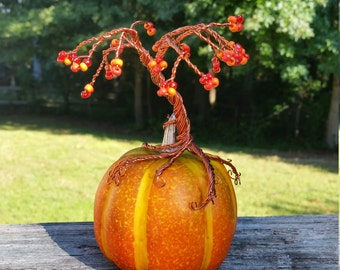 Fall Pumpkin Wire Tree