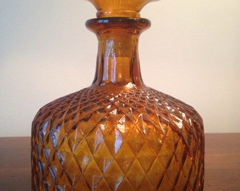 Amber Glass Decanter  - Diamond Pattern / Retro Gold Liquor Bottle with Stopper / Vintage Amber Barware / Wine Decanter