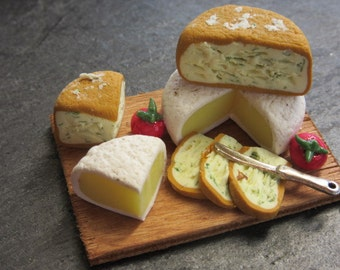 Rustic cheese plate - Dollhouse miniature polymer clay