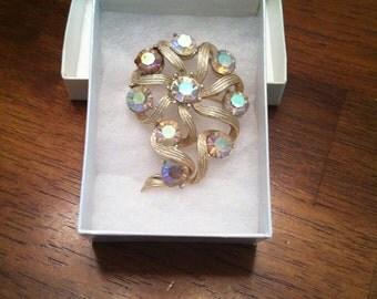 Kramer Marked Vintage Brooch Gold Flower with Stones