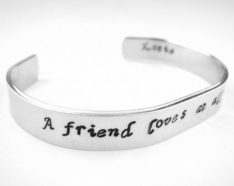 Custom name A friend loves at all times Proverbs 17:17 bible verse scripture bracelet, Christian friend gift, Friendship bracelet