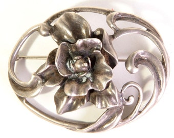 Beautiful vintage Art Nouveau sterling silver floral spring flower leaves brooch pin